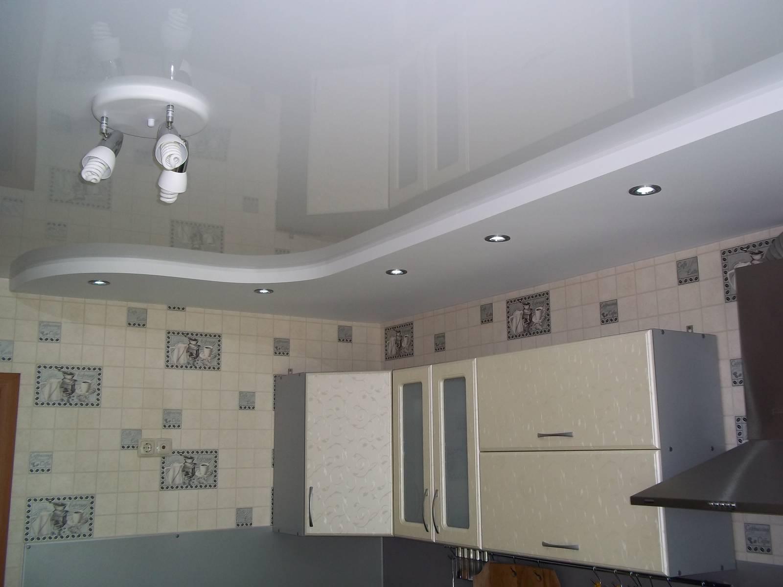 натяжной гипс кухня фото